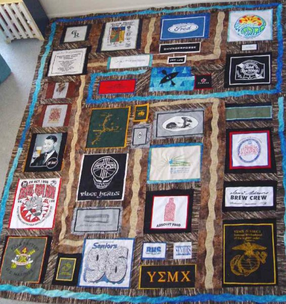 Quilt Patterns For College Students : Moonlight Quilts T-Shirt Quilt Pics Moonlight Quilts Gallery
